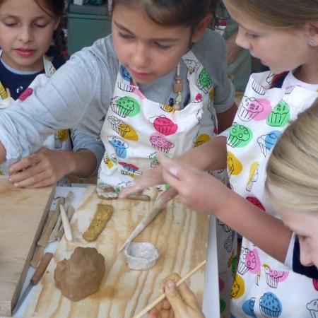 Kindergeburtstag feiern im Keramikatelier ist ein großer Spaß.