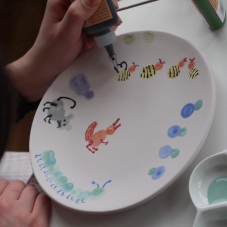 Beim Keramik Bemalen sind der Phantasie keine Grenzen gesetzt.