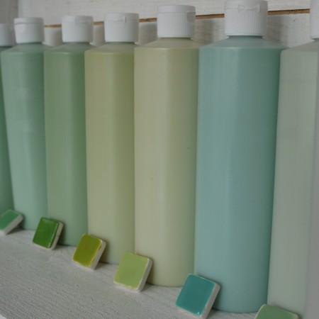 Die Auswahl Glasuren, mit denen die Keramik gestaltet werden kann, ist vielfältig.